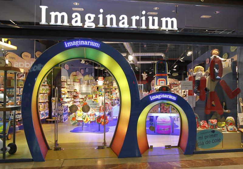 Vivian suarez una jugueter a diferente for Puerta imaginarium
